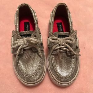 Sperry toddler size 7